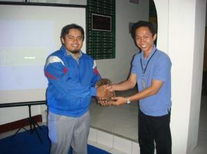 Pak Kormasit bersama pembicara dalam acara penyuluhan KB