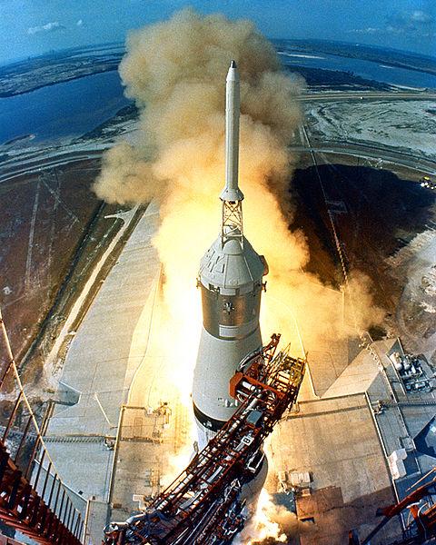 Keberhasilan dari Proyek Apollo merupakan puncak karir dari seorang Wernher Von Braun