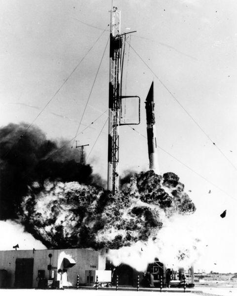 Meledaknya Vanguard-1 menjadi jalan bagi Von Braun dan Team nya untuk meluncurkan roket nya sendiri